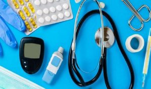تعليق قرار وقف تسليم المستلزمات الطبية للمستشفيات