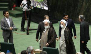 نواب ايرانيون يطالبون حكومتهم باستدعاء السفير الفرنسي
