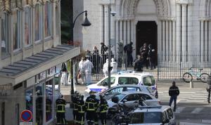 نائب فرنسي يطلب تعليق قوانين الهجرة واللجوء