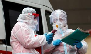 """أوكرانيا: اللقاح الروسي """"سلاح هجين"""" ضدنا"""