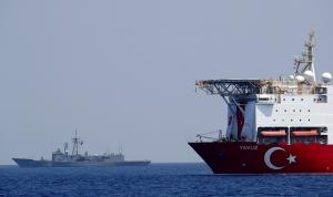 اليونان: لا يمكن لتركيا الاستمرار بهذا النهج من دون عقوبات