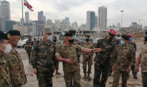 جولة لرئيس أركان الجيوش الفرنسية في مرفأ بيروت