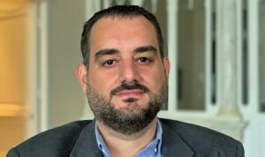 بعد إطلاق سراحه… مكرم رباح يوضح ما حصل معه في المطار