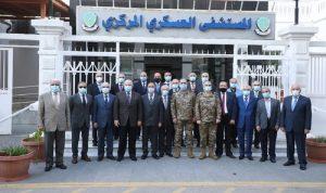 جولة لوفد من الضباط المتقاعدين  في المستشفى العسكري المركزي