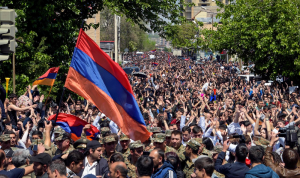 آلاف المتظاهرين في أرمينيا للمطالبة باستقالة باشينيان