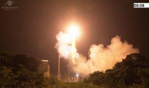 """الإمارات تعلن نجاح عملية إطلاق القمر الاصطناعي """"عين الصقر 2"""""""
