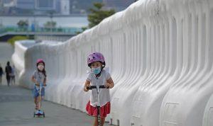 الصحة العالمية تشدد قواعد ارتداء الكمامات