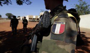 غينيا الاستوائية تفرج عن 6 جنود فرنسيين