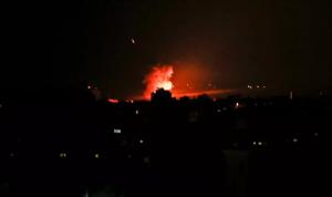 ردًا على إطلاق صاروخين… غارات إسرائيلية على غزة