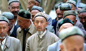 الصين تطارد الأيغور حتى في موتهم