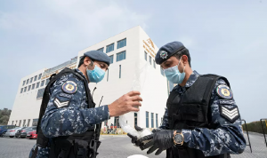 الكويت تمنع غير المطعمين من دخول المجمعات التجارية