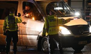"""""""مختل عقليًا"""" يقتل 3 شرطيين فرنسيين.. والعثور عليه جثة بعد ساعات"""