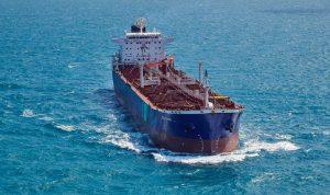 """""""الحرس الثوري"""" يحتجز سفينة لكوريا الجنوبية في الخليج"""
