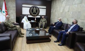 قائد الجيش استقبل سفير الإمارات في زيارة وداعية