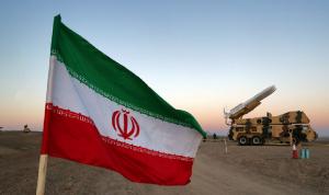 منصة لإطلاق صواريخ باليستية جنوب غرب إيران (صور+فيديو)