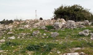 دبابة إسرائيلية خرقت السياج في ميس الجبل