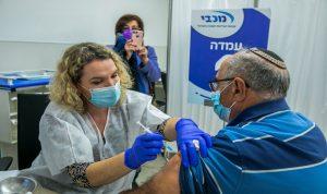 إسرائيل تدرس إلغاء إلزامية ارتداء الكمامة