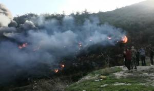 حريق بين قبعيت وبزال.. والدخان حجب الرؤية