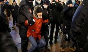 دعوات أوروبية لمعاقبة بوتين بسبب اعتقال نافالني والآلاف من مؤيديه