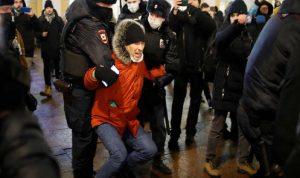"موسكو تتوعد بـ""قمع"" مناصري نافالني"