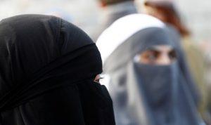 63% من السويسريين يؤيدون حظر النقاب في الأماكن العامة