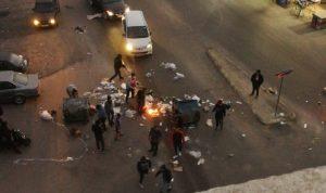 قطع طريق القياعة-صيدا احتجاجًا على تردي الأوضاع