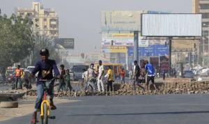 قطع طرق احتجاجًا على تردي الأوضاع الاقتصادية في السودان