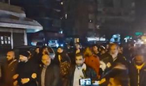 مسيرة احتجاجية من ساحة النور باتجاه منازل سياسيين