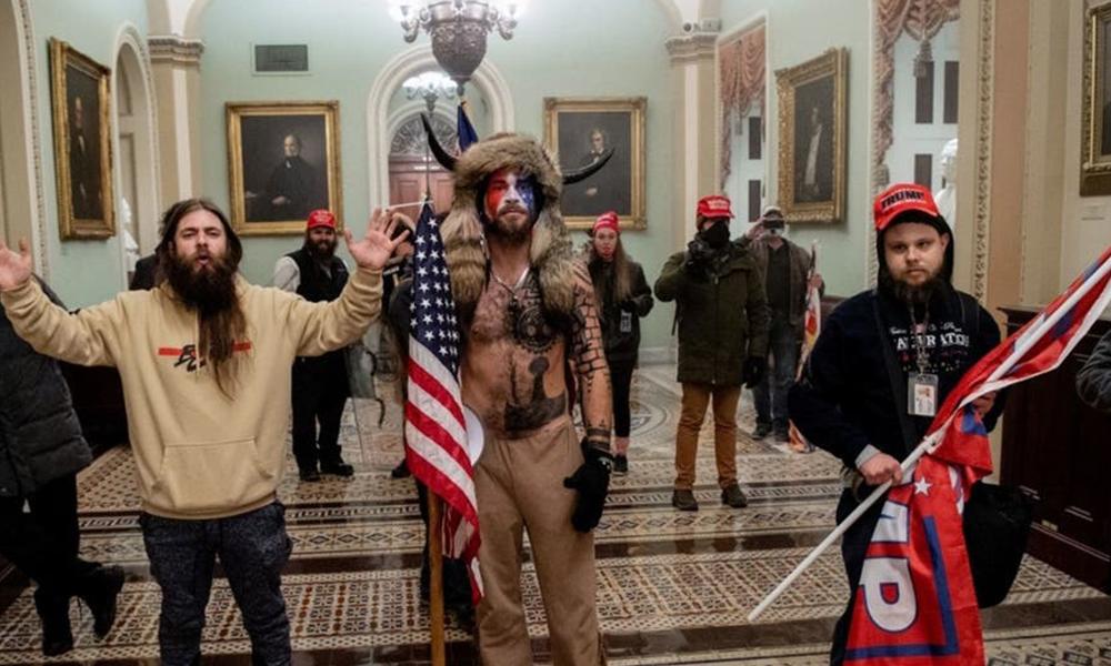 "IMLebanon | اعتقال ""ذي القرنين"" الذي اقتحم مبنى الكونغرس"