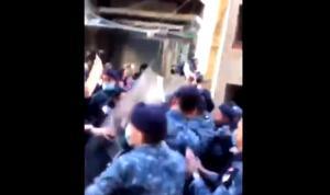 """بالفيديو: مواجهات بين """"قوى الأمن"""" وأهالي شهداء تفجير المرفأ"""
