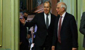 الاتحاد الأوروبي يندد بطرد روسيا للدبلوماسيين