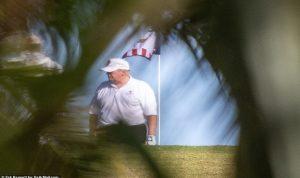 ترامب يتغيب عن محاكمته للعب الغولف