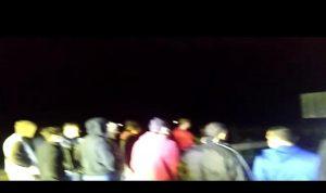 قطع اوتوستراد بيروت – طرابلس في كفرعبيدا – البترون (فيديو)