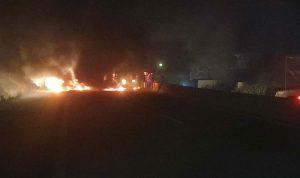 بالفيديو… قطع اوتوستراد كفرعبيدا البترون بالإطارات المشتعلة