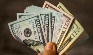 الدولار يواصل ارتفاعه… ويلامس الـ13000 ليرة!