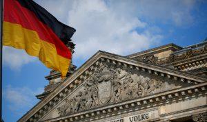 """ألمانيا تدين إحدى مواطناتها بتهمة الانضمام لـ""""داعش"""""""