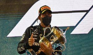 هاميلتون يفوز في سباق البحرين الافتتاحي لبطولة الفورمولا 1