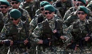 إيران ترسل تعزيزات عسكرية إلى الحدود مع أذربيجان
