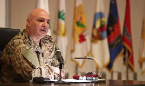 قائد الجيش: نحن مع التعبير السلمي… وممنوع التدخل بشؤوننا!