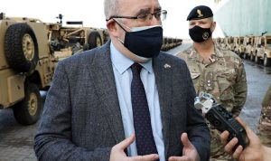 القائم بالأعمال البريطاني: الجيش رصيد غير عادي للبنان