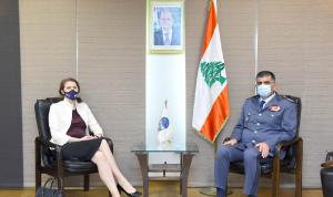 عثمان عرض مع سفيرة استراليا سبل التعاون بين البلدين