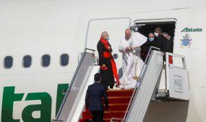 في زيارة تستمر لـ4 أيام.. البابا فرنسيس يصل الى العراق (فيديو)