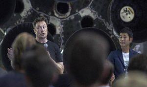 """ملياردير ياباني يبحث عن مرافقين """"إلى القمر"""" مجانًا!"""