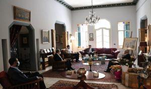 تيمور جنبلاط بحث مع السفير المصري في التطورات السياسية