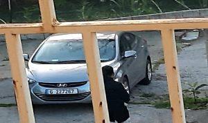 سرقة سيارة في حارة صخر