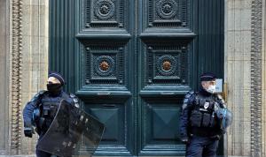 """توقيف قس في فرنسا متهم بمساعدة """"ميليشيات"""""""