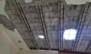 في حلبا.. عائلة تنجو بأعجوبة بعد سقوط سقف منزلها!