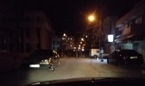 قطع طريق عام حلبا بالسيارات… والسبب؟