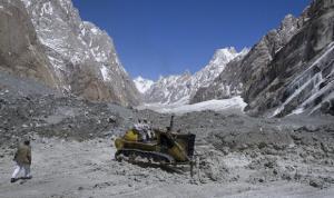 مقتل 8 أشخاص على الأقل جراء انهيار جليدي في الهند