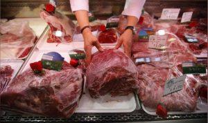 تسليم اللحوم المدعومة لقصابي صيدا